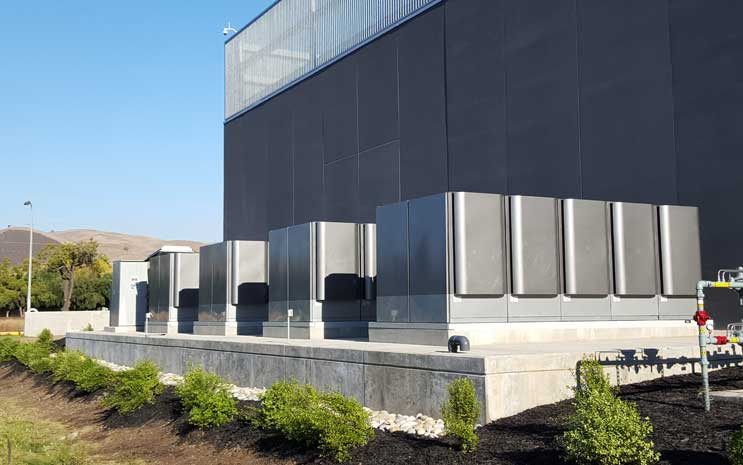 Bloom Energy fuel cells outside of an Equinix data center
