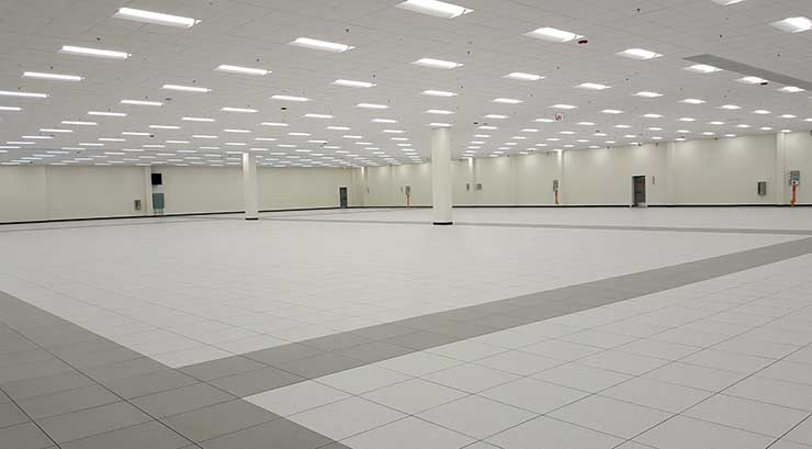 The 48,000 square foot data hall in Phase I of the QTS Chicago data center. (Photo: Rich Miller)