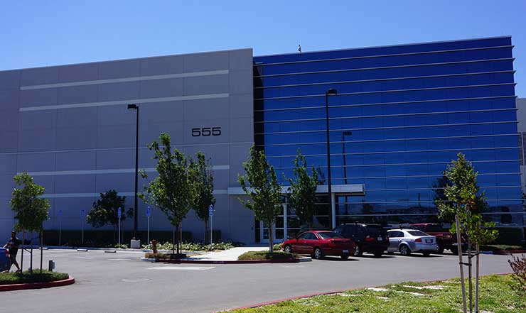 The DuPont Fabros Technology SC1 data center in Santa Clara, where a tenant recently leased the entire 16-megawatt third phase of the project. (Photo: DuPont Fabros Technology)