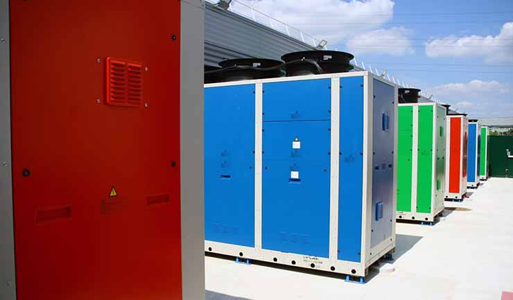 Chiller units in the equipment yard outside an ETIX Everywhere data center. (Photo: EETIX Everywhere)