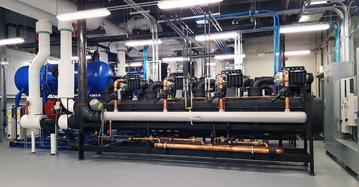 One of the new chiller systems in a rooftop enclosure at the CoreSite CH1 data center in Chicago. (Photo: Rich Miller)