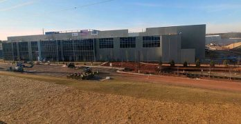 The first building at the Vantage Data Centers campus in Ashburn, Virginia. (Photo: Vantage Data Centers and OxBlue)