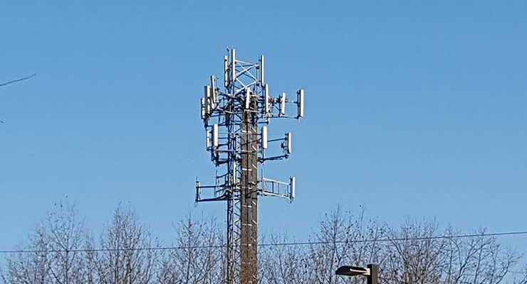 A wireless tower in New Jersey. The impending 5G transition is expect to boost mobile traffic. (Photo: Rich Miller)