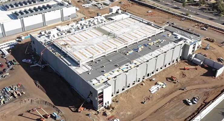 An aerial view of Building 10, which is under construction at the CyrusOne campus in Chanfler, Arizona . The two-story building will offer 36 megawatts of capacity, (Photo: CyrusOne)