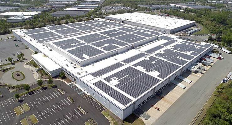 Iron Mountain has deployed a 7 megawatt solar array on the roof of its data center in Edison, N.J. (Image: Iron Mountain Data Centers)