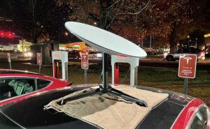A SpaceX Starlink dish at a Tesla charging station for EV cars. (Photo: Eric Rosenberry)