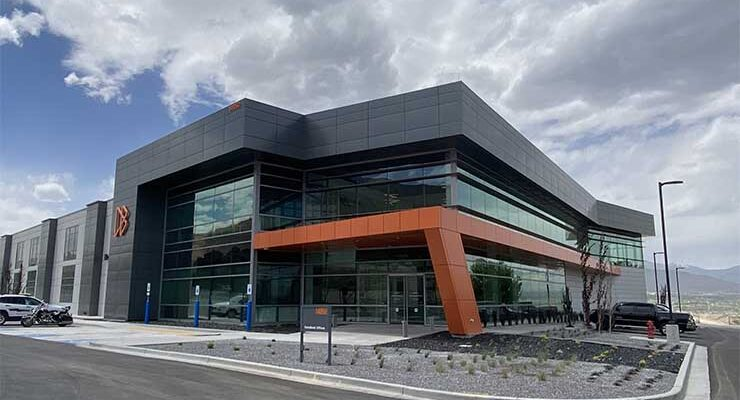 The exterior of the DataBank SLC5 data center on the comp[any's Granite Point campus in Bluffdale, Utah. (Image: DataBank)
