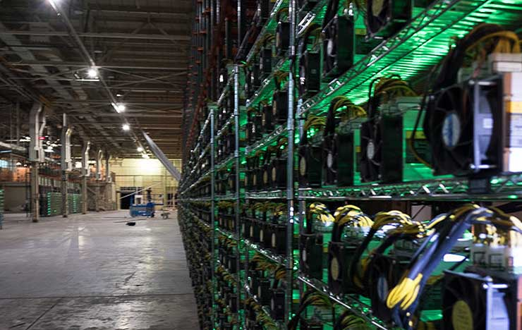 The Bitcoin Energy Debate: Lessons from the Data Center Industry